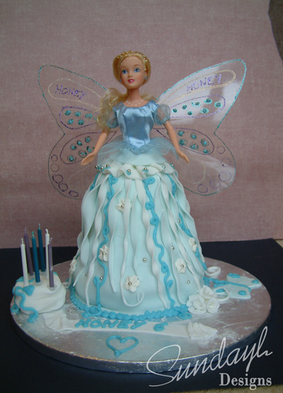 Close Up Pictures Of The Fairy Birthday Cake